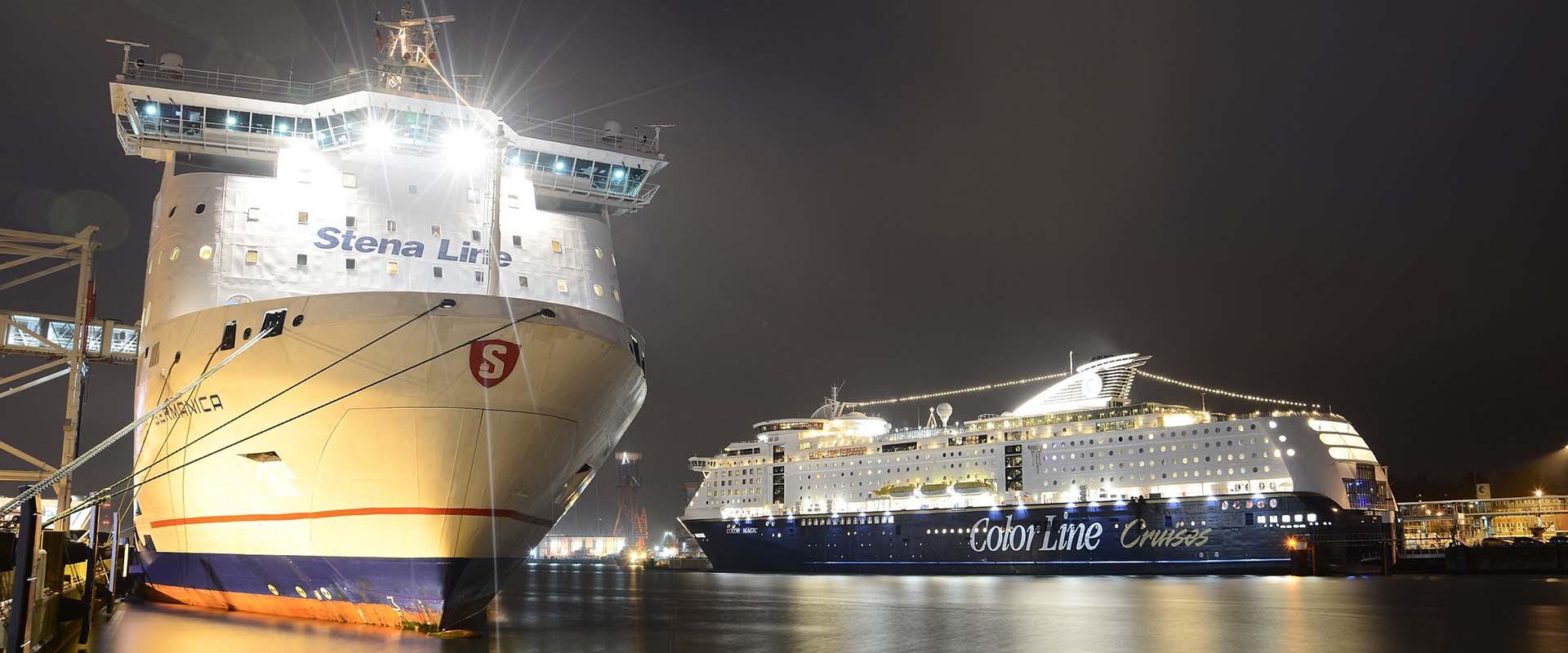 Fähren im Kieler Stadthafen.