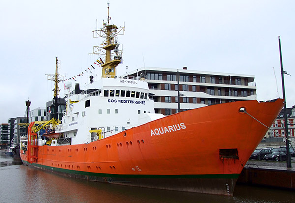 AQUARIUS am Liegeplatz in Bremerhaven.
