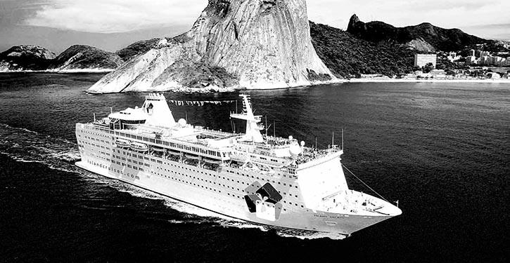 Die ISLAND ESCAPE in Fahrt für ihren letzten Charterer Thomson Cruises.