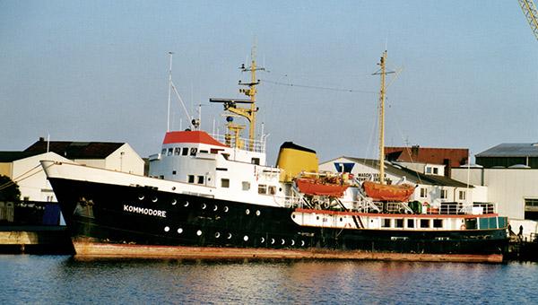Ex KOMMODORE ROLIN als KOMMODORE im August 2001 in Bremerhaven aufgelegt.