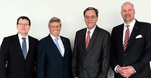 Gruppenfoto des neuen Vorstands der Lloyd Werft. v.ln.r:: Dirk Petersjohann, Rüdiger Pallentin, Jarmo Laakso, Carsten J. Haake.