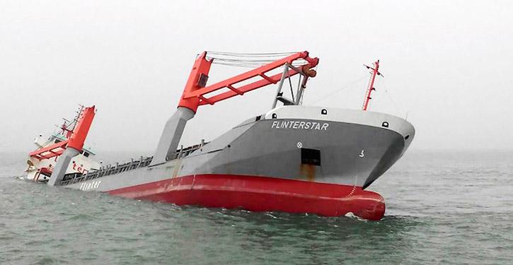 Zum Totalverlust erklärt: Der belgische Frachter FLINTERSTAR gesunken vor der Küste von Belgien