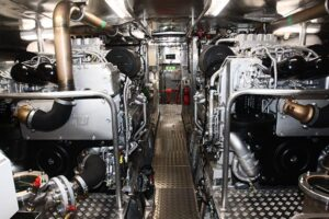 Doppelmotorenanlage (MTU12V2000 M84) in Rettungsschiff.