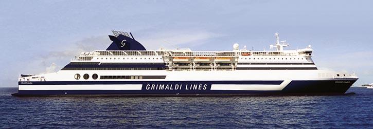 Wieder eine Mittelmeerfähre: Die BIMINI SUPERFAST 2016 in den Farben der italienischen Grimaldi Lines.