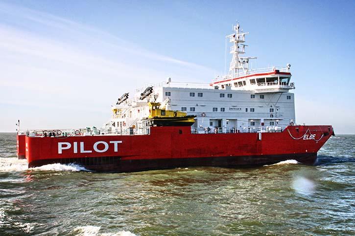 Das Lotsenstationsschiff MS ELBE in der Aussenelbe.