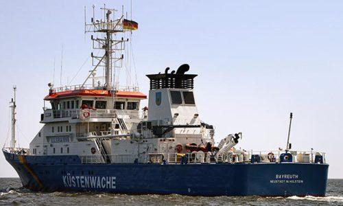 Küstenwachboot BAYREUTH auf Patrouille in der Nordsee.