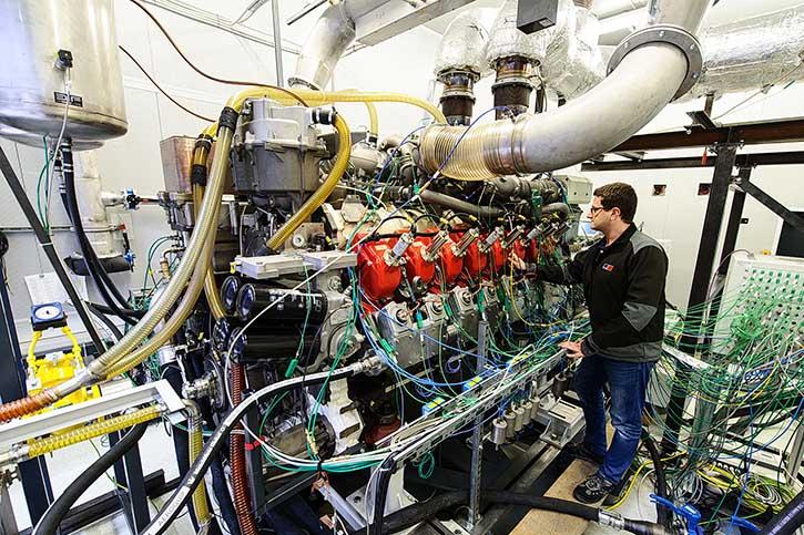 Der neue MTU Gas-Ottomotor der Baureihe S4000 für Schiffsantriebe hat bereits rund 3000 Stunden auf dem Firmenprüfstand erfolgreich absolviert.