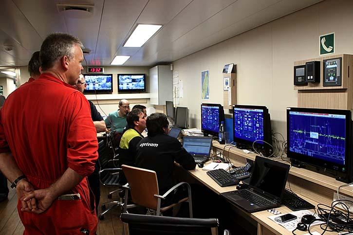 Der Maschinenkontrollraum beinhaltet nur noch Computer.