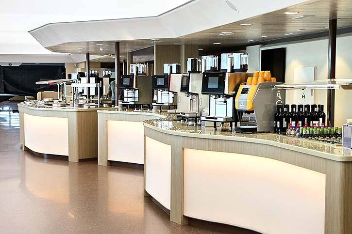 Blick in die geräumige Cafeteria.