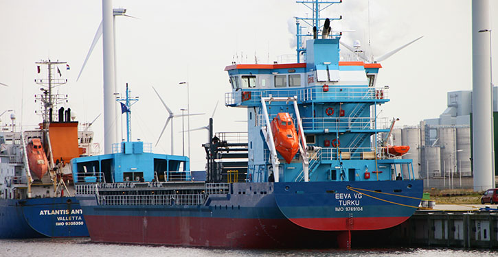 MV EEVA VG im Hafen von Eemshaven kurz vor der Ablieferung an die Reederei.