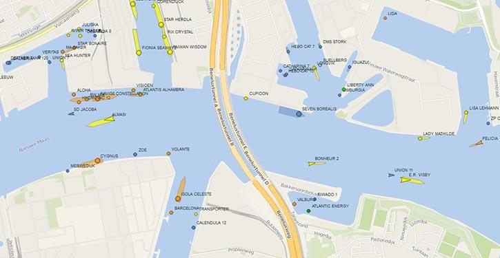Marinetraffic im Hafen Rotterdam.