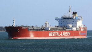In Japan und Korea wurden 2016 die ersten seegehenden Schiffe in Dienst gestellt, die als Kraftstoff Methanol verwenden.