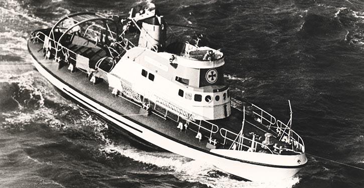 Seenotrettungskreuzer ADOLPH BERMPOHL der Deutschen Gesellschaft zur Rettung Schiffbrüchiger (DGzRS).