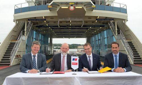 Vertragsunterzeichnung zwischen Rolls-Royce Power Systems und die Stadtwerke Konstanz.