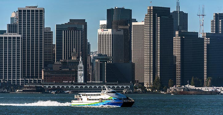 """""""Mare Island"""" (2 x MTU 16V4000 M73) vor dem Hafen von San Francisco."""