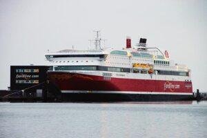Kreuzfahrtschiffe benötigen Landstromanschluss.