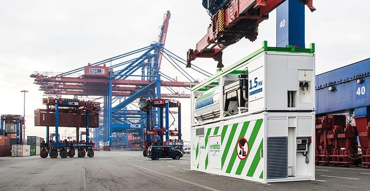 Becker LNG Power Pac im Hafen Hamburg. © Werk