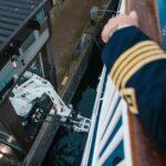 In jedem Hafen wird ein vollautomatischer, Laser gesteuerter Roboterarm für den Ladevorgang eingesetzt. ©ForSea