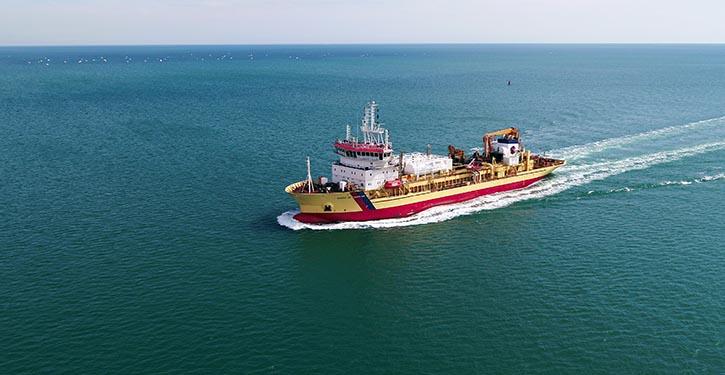 Die TSHD SAMUEL DE CHAMPLAIN nach ihrer Umrüstung auf Erdgasbetrieb