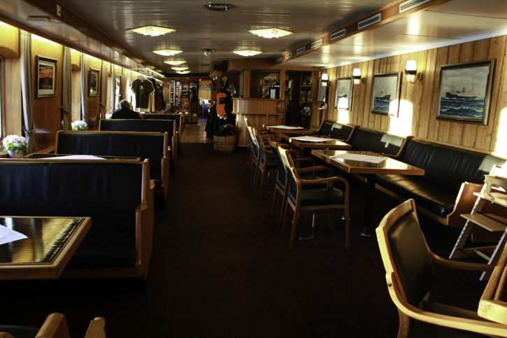 Die Lounge auf der MS LOFOTEN