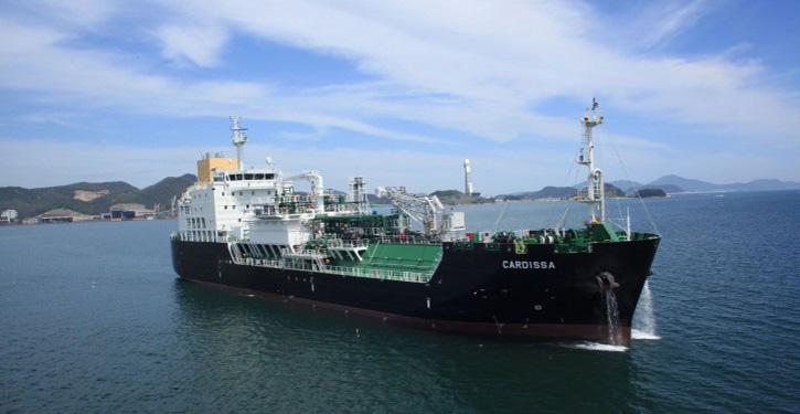 LNG-Tanker CARDISSA wird per Ship-to-Ship die Bebunkerung der neuen SIEM Autotransporter in Emden durchführen