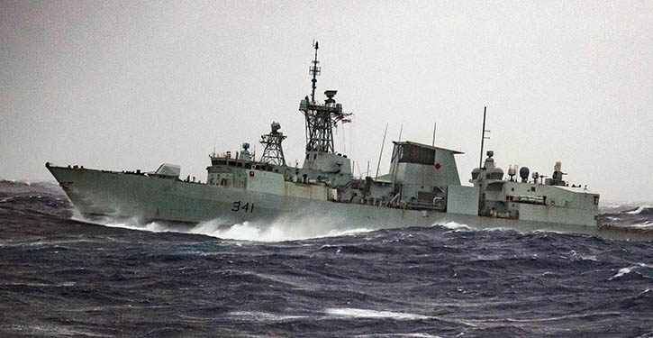 HMCS OTTAWA sails through a heavy sea state